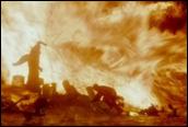 אלבוס דמבלדור מביס את צבא החיזלים של וולדמורט באמצעות אש